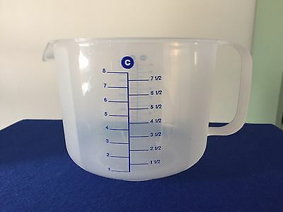 Tupperware 8 Cup Plastic Measuring Pitcher