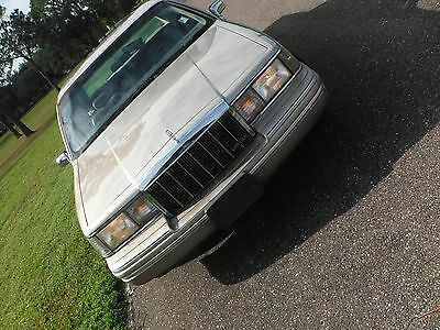 1992 Lincoln Town Car CARTIER 1992 Lincoln Town Car Cartier ACTUAL MILES FL car.  Super clean, drives great.