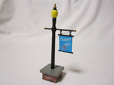 DEPT 56 Lamppost And Happy 4th Flag Sign Village Lamp Post 53048 Of July NEW