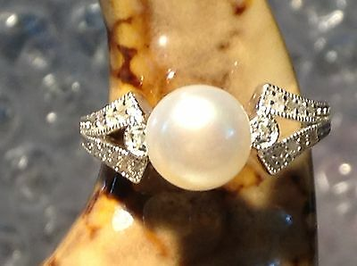 Silver 925 Cultured Pearl And Diamond Ring - Size J