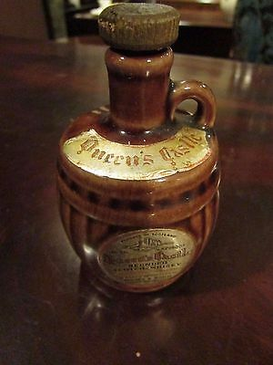 Scottish 'Queen's Castle' Blended Scotch Whisky Pottery Flagon