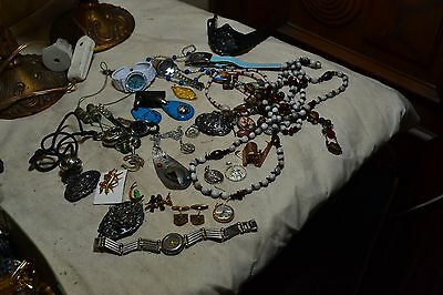 lot 4 de bijoux fantaisie vintage broche montre collier etc ....
