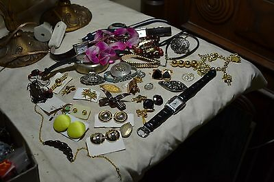 lot 7 de bijoux fantaisie vintage broche montre collier etc ....