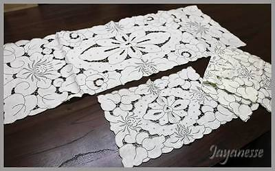 Vintage cutwork embroidered lace table runner centrepiece & 6 napkins