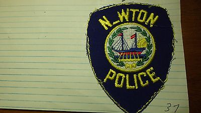 Newton  New Hampshire  Police Department Salesman Copy Obsolete Patch Bxsp#332