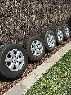Hilux SR5 17 Inch Wheels and Tyres