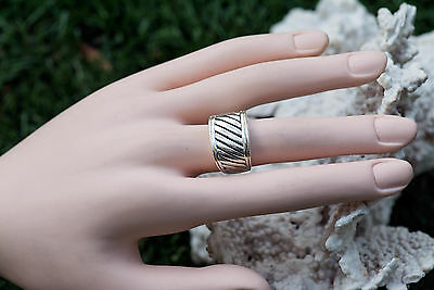 Chunky handcrafted vintage Sterling silver ring ridged woman jewelry size 5.5