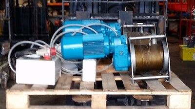 Cable Winch 5000Kg / 3 Phase /forward  - Reverse  Controls 400V