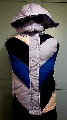 Gap - Girls Quilted Gilet - Detachable Hood - age 12 - Worn Twice