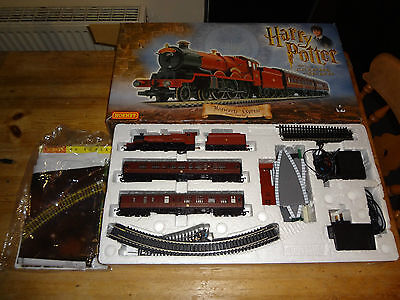 Hornby Original Harry Potter and the Chamber of Secrets Train Set