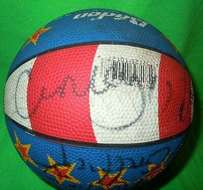 CURLY NEAL & 11 Signatures from The HARLEM GLOBETROTTERS on a MINI BASKETBALL