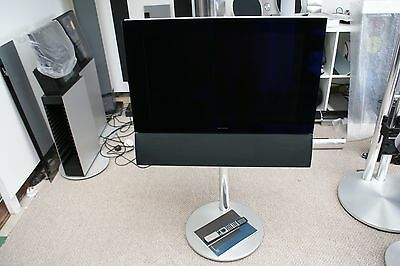 """Bang & Olufsen / B&O BeoVision 6 - 26"""" LCD Television - With Floorstand & Remote"""