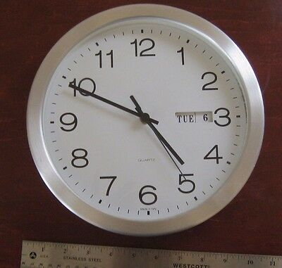 Vintage Wall Clock - Quartz Operated - Made in Italy