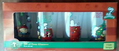 Peanuts Christmas Glasses Set of 4 16oz Snoopy Linus Lucy Charlie Brown New