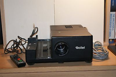 Rollei P355 slide projector and case