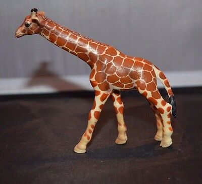 2003 Schleich Giraffe Toy Animal Figure