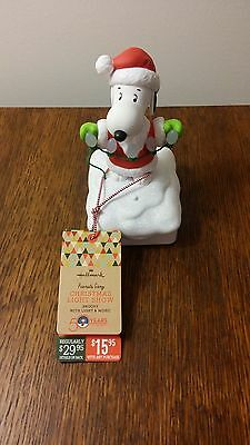 Hallmark 2015 Christmas Light Show Snoopy Wireless Band Peanuts Gang Musical