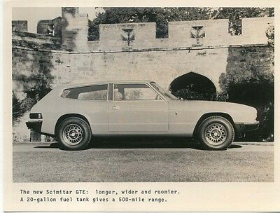 Reliant New Scimitar GTE Two Original b/w Press Photos