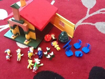 noddy house and figures