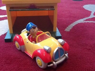 noddy garage with car and figure