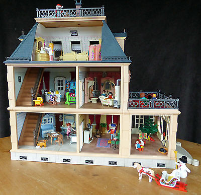 Playmobil 5300 Furnished Victorian Mansion House With Figures And Santa