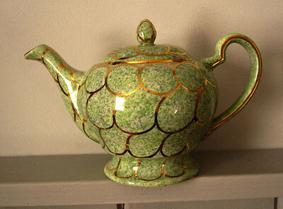 OLDCOURT WARE TEAPOT - hand-painted / lustre / green and gold / vintage - RARE