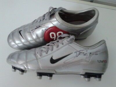 LEO MESSI  Match Worn Hand Signed NIKE  Boots f.c. BARCELONA debut ARGENTINA