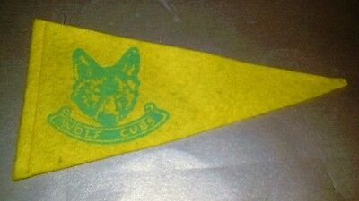 VINTAGE 1950s 1960's WOLF CUBS SCOUTS PENNANT - Collectable old felt cloth flag