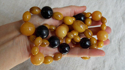 Vintage Bakelite necklace 1940's - 123 G!! larger beads are 25 MM - a looker