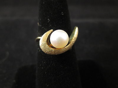 Vintage 14K Yellow Gold Pearl Ring
