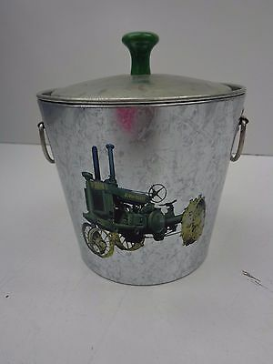 """John Deere small metal pail with lid and un-styled """"G"""" (C-590)"""