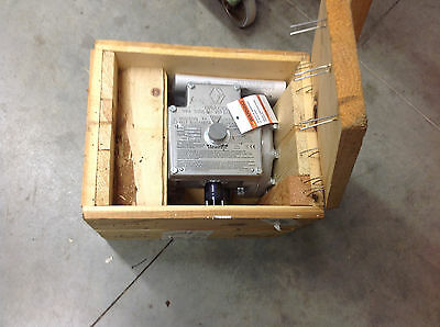 Graco 226819 226-819 Fluid Heater Viscon 240V. NEW IN CRATE