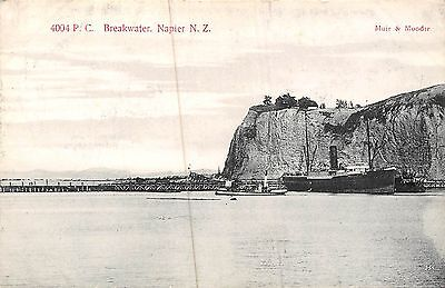 POSTCARD   NEW  ZEALAND   NAPIER   Breakwater