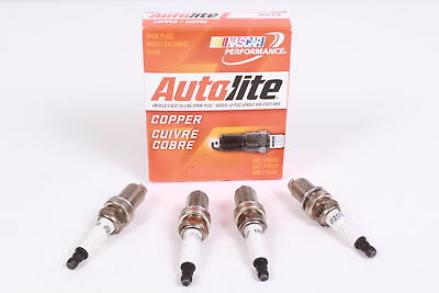 Box of 4 Genuine Autolite 5924 Copper Resistor Spark Plugs