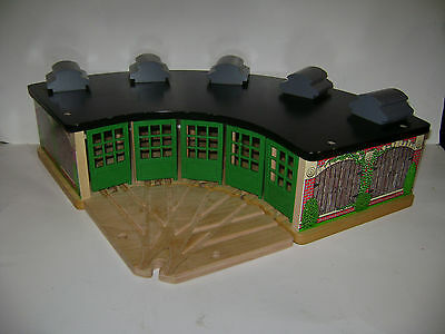 Thomas & Friends Wooden Railway Roundhouse Tidmouth Sheds 5-way Track RETIRED