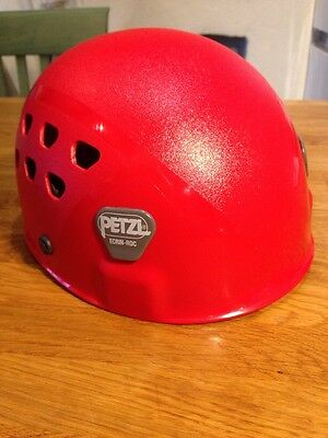 Red Petzl Ecrin Roc Climbing Helmet - Excellent Condition Very Light Use Only