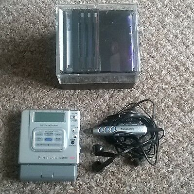 Retro Panasonic SJ-MR220 Personal MiniDisc Player/Minidiscs/Headphones/Battery