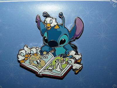Disney Acme Hot Art Limited Release pin* STITCH Story Time