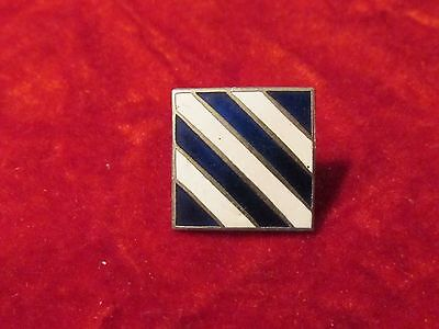 US ARMY 3rd Infantry Division Collar Insignia Pin DUI