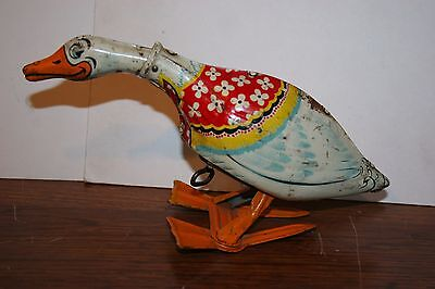 VINTAGE 1930s/40s TIN LITHO  UNIQUE ART WIND UP GERTIE GALLOPING GOOSE  WORKS