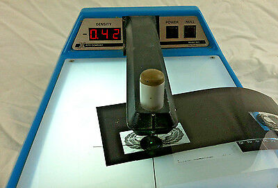 X-Rite 301 Transmission Densitometer Light Darkroom Black / White Photo Film