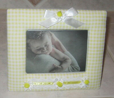 "Sunny Yellow Gingham with Ribbon & Lace Decoration 6""X 4"" Photo Frame"