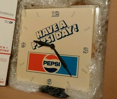 /// Have A Pepsi Day Electric Lighted Clock ///