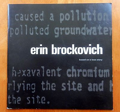 "ERIN BROCKOVICH - ""Very Nice 26 page Promotional Book""  - Julia Roberts"