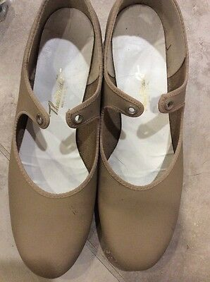 Theatrical Tap Shoes Adult/Womens  Size  8  Tan