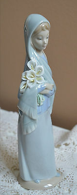 Lladro Porcelain Lady With Calla Flowers Figurine 4650 retired
