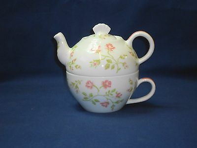 Laura Ashley Izzy Bone China Tea For One Floral Pattern Teapot Cup Set