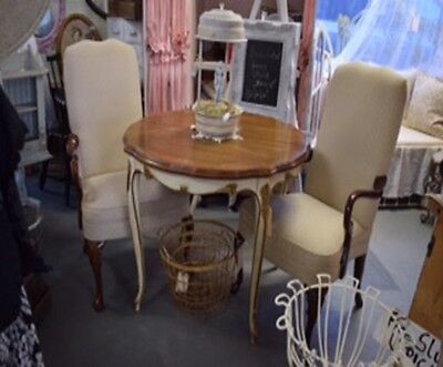 Fabulous Vintage Shabby Pair of Chairs with Curved Queen Ann Legs