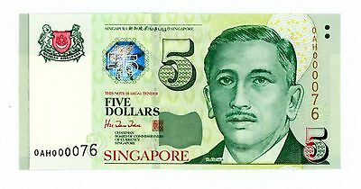 "Singapore ... P-39 ... 5 Dollars ... ND(1999) ... *UNC* ..Two Digits Serial ""76"""