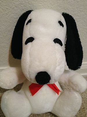 vintage stuffed plush Snoopy, Knickerbocker, red bow, clean!